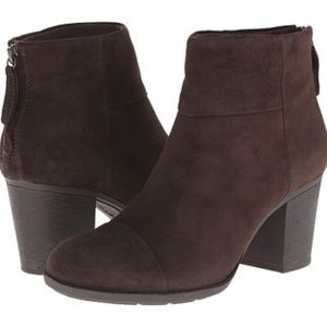🆕️Clarks Enfield Tess Suede Boots WIDE WIDTH NWT